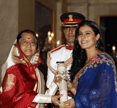 Kajol receiving Padma Shri