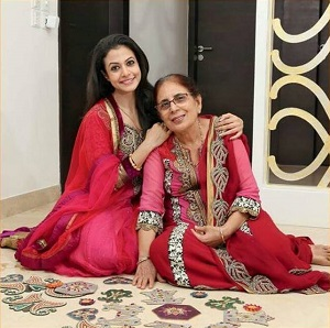 koel_mother in law